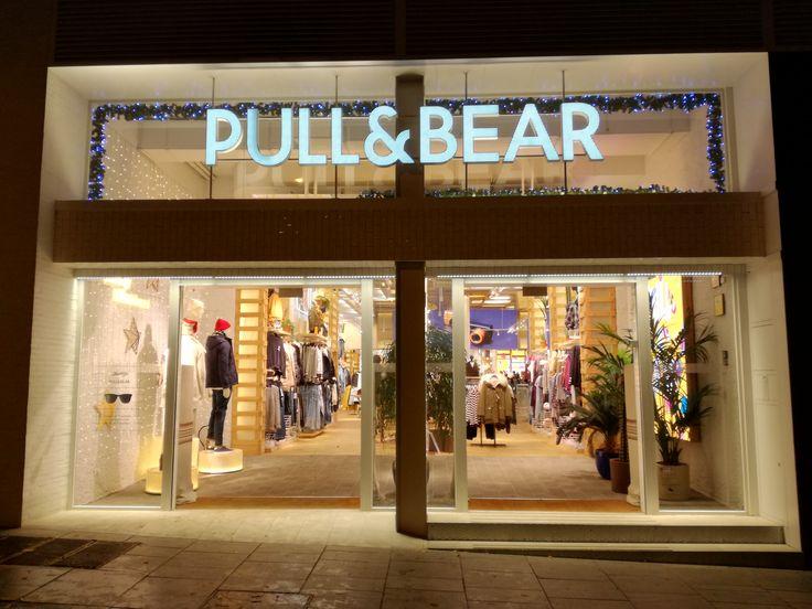 Fachada Pull&Bear, (Madrid). Diciembre 2016
