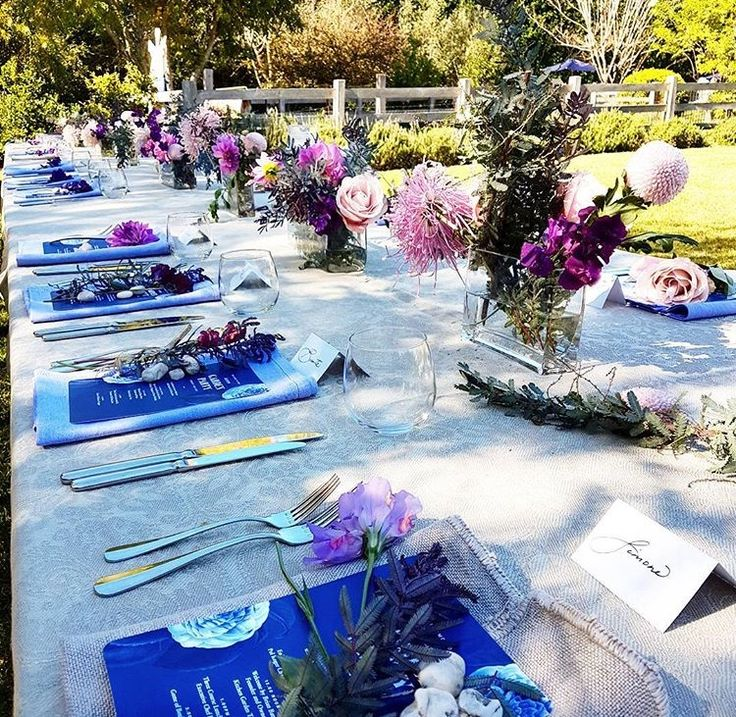 The table is set 💕 #gardenparty #celebrate #10years #autumn #sunshine #floral #busatti #classic #italian #linen