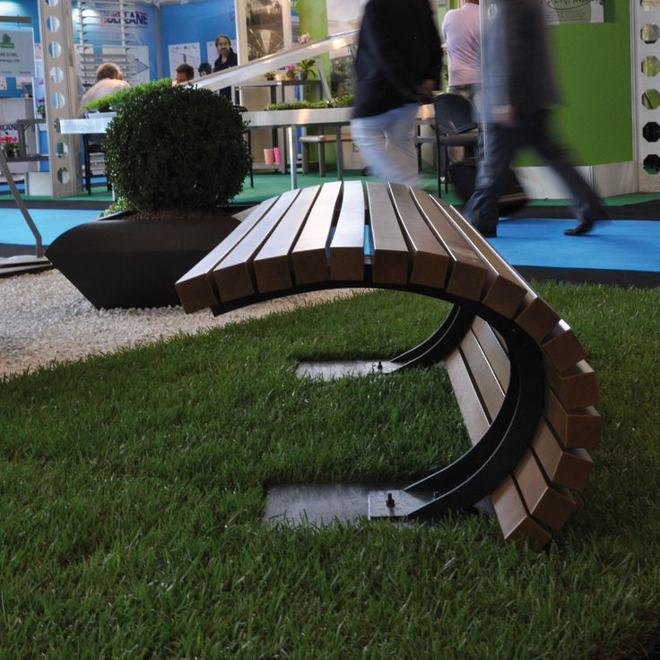 25 Best Curved Outdoor Benches Ideas On Pinterest Wood Bench Designs Large Backyard And
