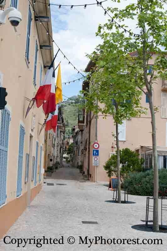 Photo #1: Before retouch. Castellar, France.