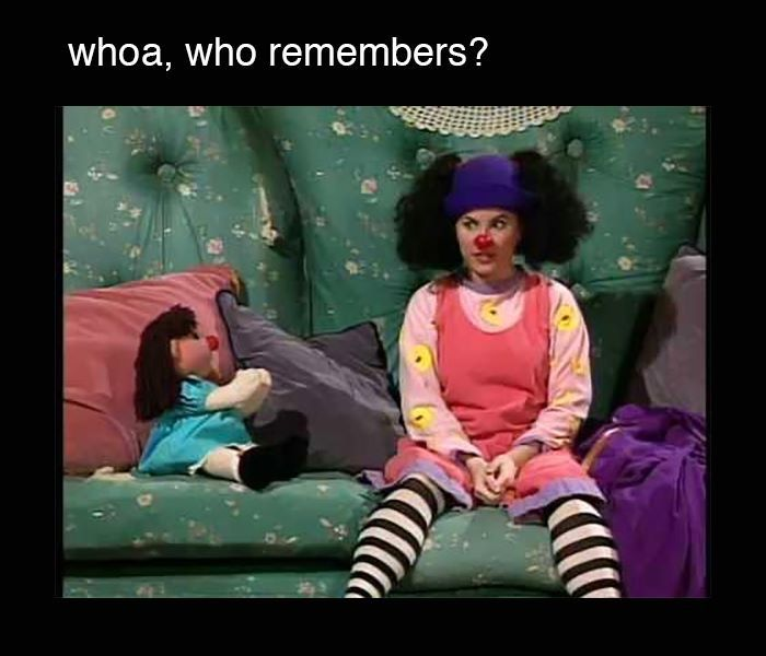 The big comfy couch! 😱 who members?! 😁