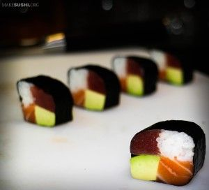 ... sushi roll picture | 美味 食物 | Pinterest | Sushi Rolls, Sushi