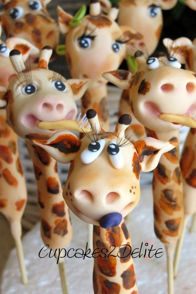 Sugar Paste Giraffe Figurines for Cucpakes by Cupcakes2Delite