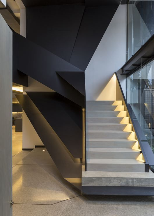 Elegant staircase with natural light. #homedesign #staircase #decorating ideas home decorating ideas, stair, modern house design. See more at www.brabbu.com