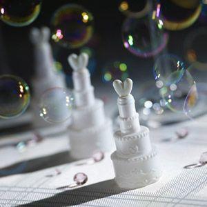 Wedding Bubbles bzw. Seifenblasen in Tortenform für die Hochzeit.