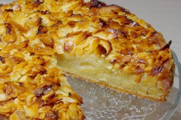 Jablkový koláč s mandľovo-medovou posýpkou