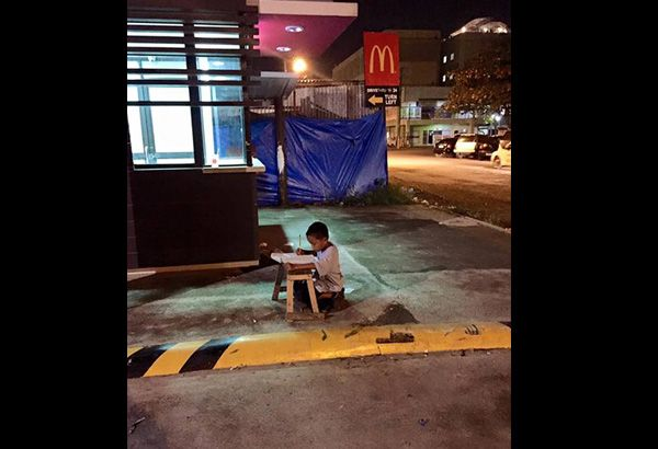 MANILA, Philippines - The photo of a nine-year-old boy studying on the street under the lights of a fast food establishment went viral on social media and caught the attention of THRIVE Solar, Philippines - a manufacturer and distributor of lighting systems and solar power packs in the country.