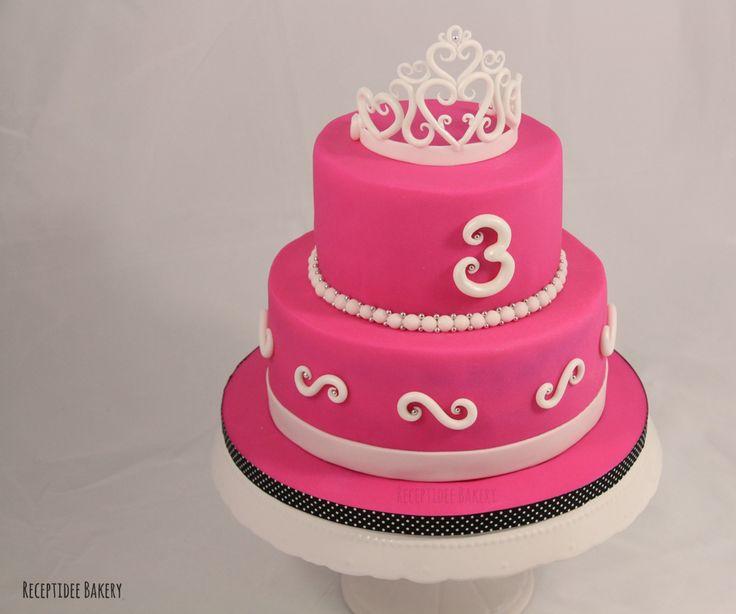 Roze Prinsessen taart #princess #cakedecoration #fondant #crown #kroon