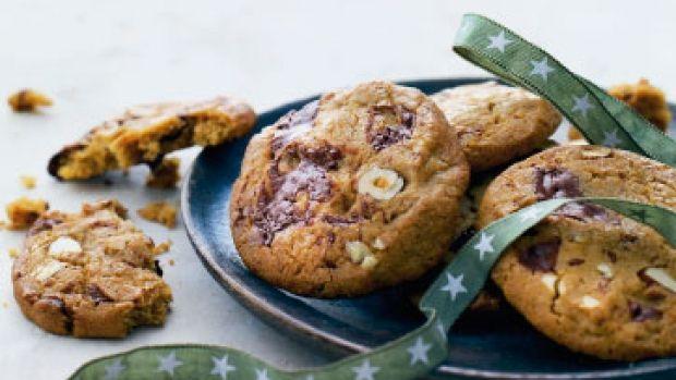 Cookies med chokolade og nødder - Femina.dk