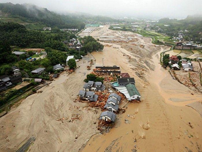 Chuva de quase 800 mm/72h deixa desaparecidos feridos mortos e rastro de destruição em Kyushu Japão