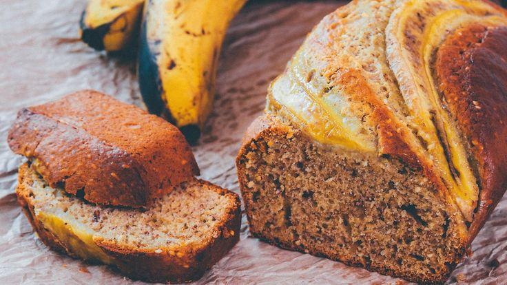 Ylikypsät banaanit soveltuvat oivallisesti leivontaan. Copyright: Shutterstock. Kuva: Irina Sokolovskaya .