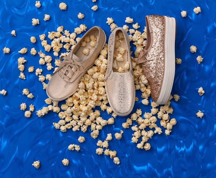 "5,871 curtidas, 80 comentários - Keds (@keds) no Instagram: ""Popcorn's popped and our party shoes are on. Who's ready to watch the #oscars with us? 👟✨📽"""