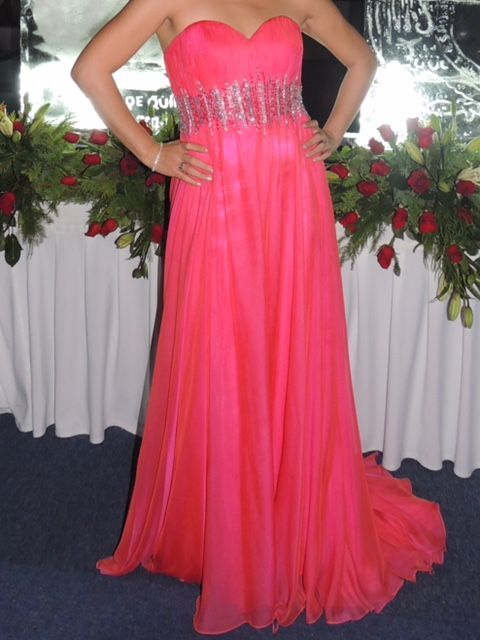 ¡Nuevo vestido publicado!  Carlo Giovanni - T4-6 ¡por sólo $7000! ¡Ahorra un 27%!   http://www.weddalia.com/mx/tienda-vender-vestido-de-novia/carlo-giovanni-t4-6/ #VestidosDeNovia vía www.weddalia.com/mx