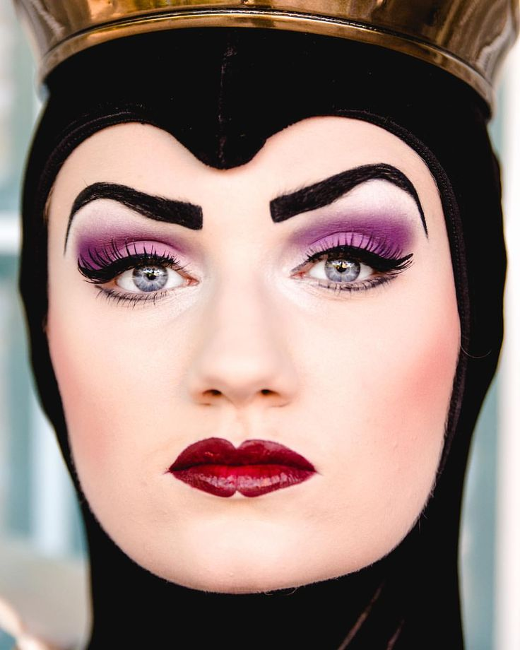 Evil Queen omg this face is scaring me !!