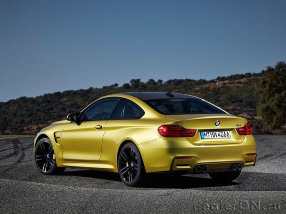 Близнецы братья BMW M4 купе 2015 [Фотогалерея]   Новости автомира на dealerON.ru