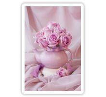 Sticke#roses #pinkroses #lavenderpinkroses #pinkrosesstillliferoses #stillliferoses #rosesandteapot #teapotart #teapot #teatime #holidaygifts #floralhomedecor #victoriamagazinestyle #romantichomesstyle #floralhappiness  #floralloveliness #sandrafoster