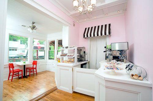 polkadots cupcake factory interior