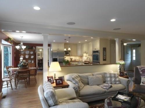 half wall between kitchen and familyroom
