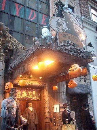 Jekyll & Hyde Club: Nostalgia.  216 West 44th Street, New York, NY 10036  (212) 869-4933