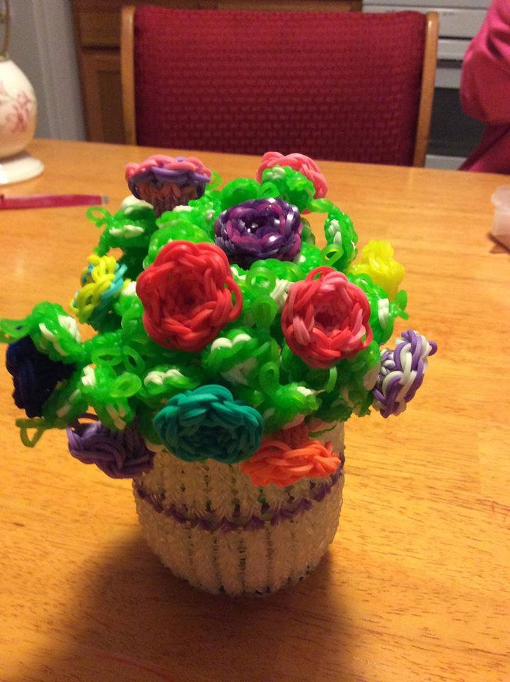 12 Awesome Rainbow Loom Creations - 12 Things Daily