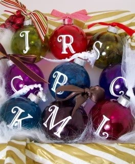 clear glass bulbs + alcohol inks = amazing ornament! from joy at everyday cricut.