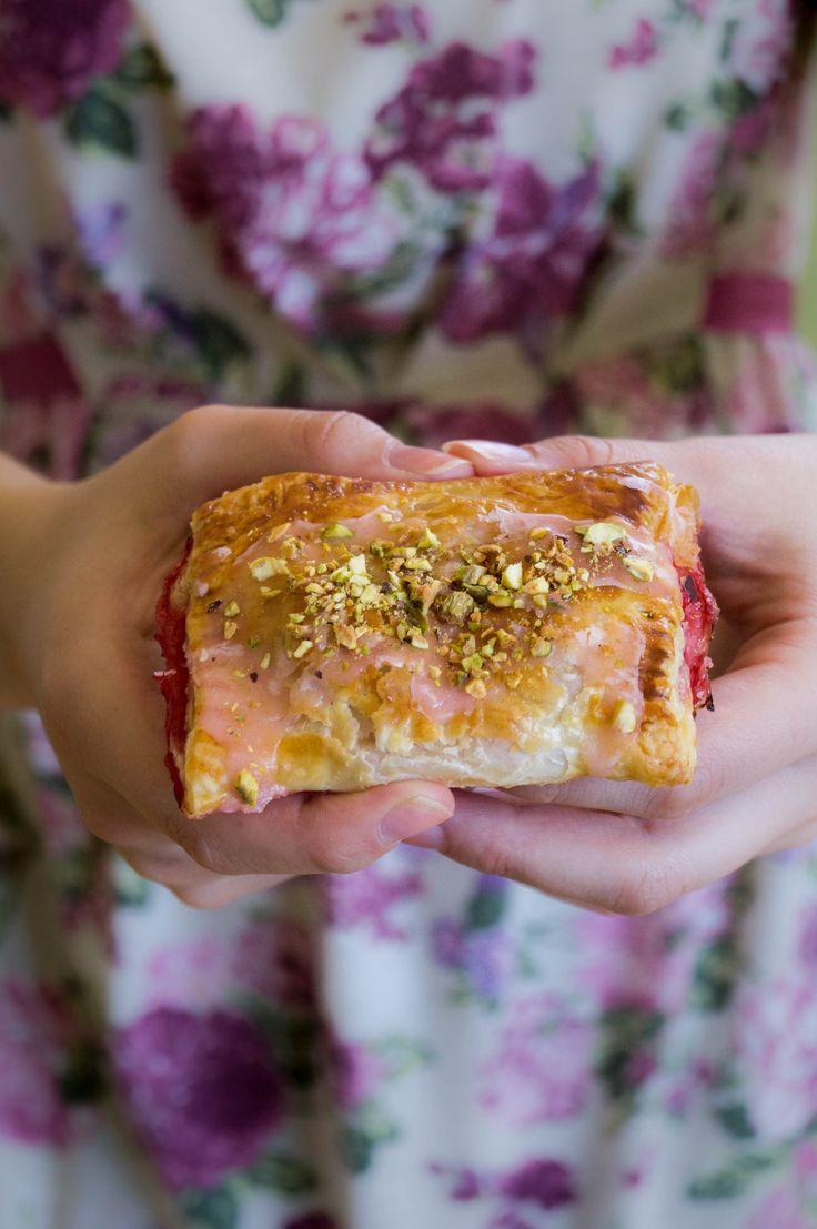 Mini strawberry pie