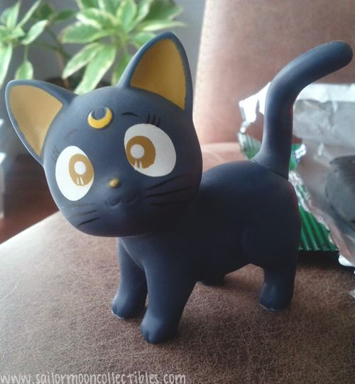 sailor moon LUNA. gotta make me one of this out of fimo or something