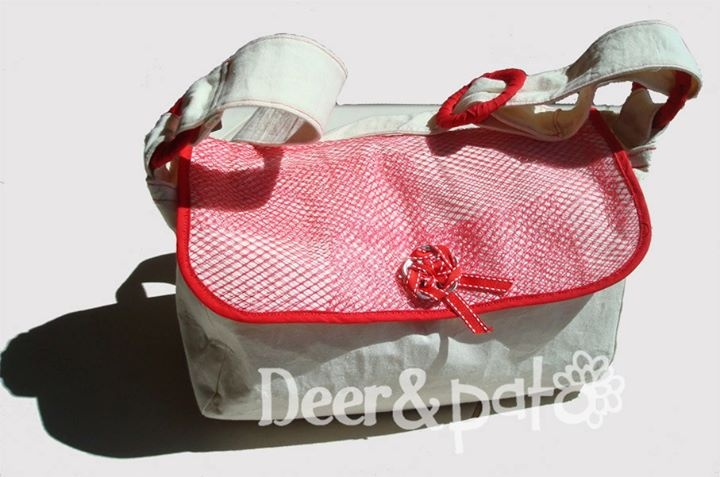 Citrus bag - red Made with reused fruit netting and can tabs