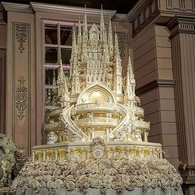 castle dream wedding cake for an indonesian wedding couple cream and lace by le novelle