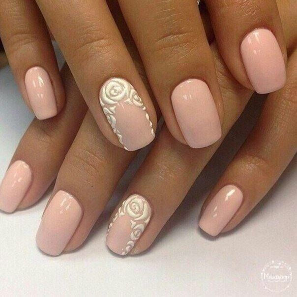 Accurate nails, Beautiful patterns on nails, Beige and pastel nails, Beige half moon nails, Business nails, Everyday nails, Pattern nails ideas, Square nails