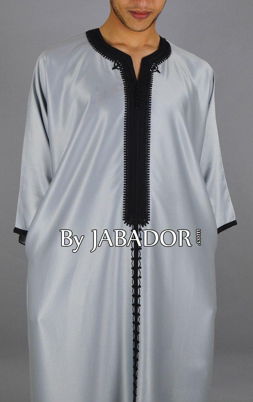Gandoura mlifa couleur grise avec broderie 4 fils noire, une tenue traditionnelle du maghreb.