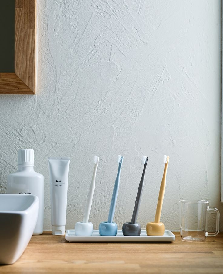 A different color for everyone | MUJI toothbrushes and porcelain toothbrush holders