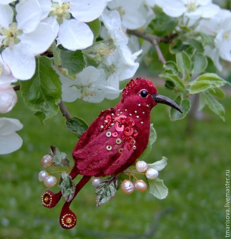 """Купить Брошь """"Птичка-любовь"""" - бордовый, бархатная птичка брошь, брошь птичка, брошь колибри"""
