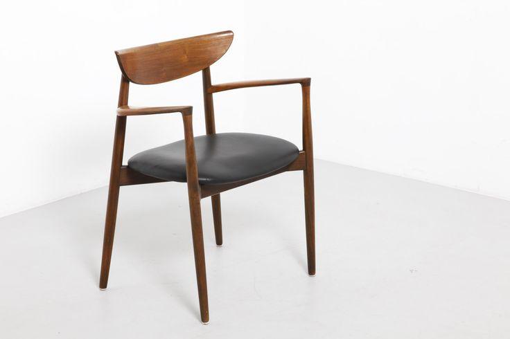 Pair of rosewood armchairs - Harry Østergaard - modestfurniture.com
