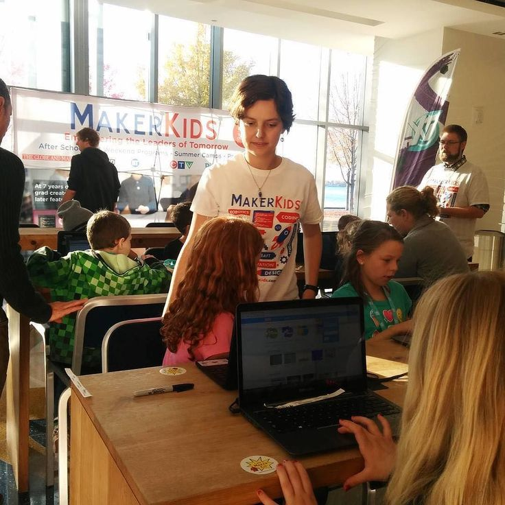 Learning how to code a video game at Beaches Alternative School to Corus Entertainment!    @makerkids    Find more details about similar events on our website.   http://ift.tt/1KIppso (link in bio)  #startuphereTO #Toronto #startupnews #entrepreneur #startuplife #TOWRcorridor #innovation #business #TorontoLife #inspiration #CanadaTech #TechTO #YYZ #networking #TOevents #funding #grants #events #incubators #startupstories #medialiteracyweek #ytv