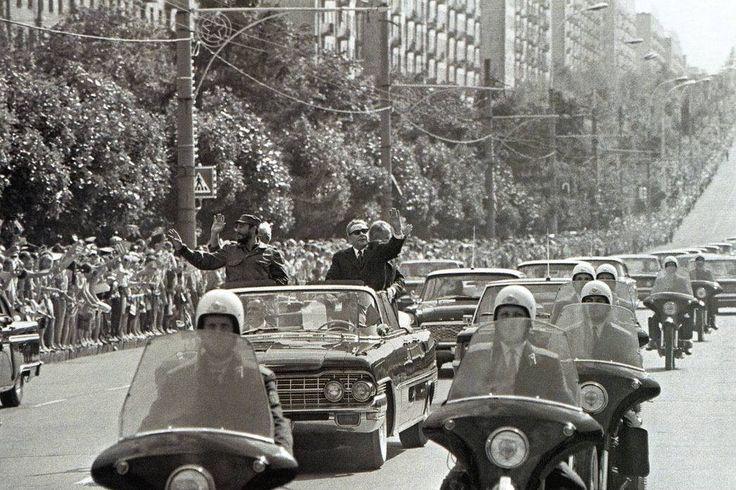 Брежнев и Фидель Кастро. Москва