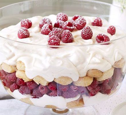 Raspberry tiramisuDesserts, Good Food, Food And, Trifles, Mmmm Doors, Tiramisu Recipe, Tiramisu Mmmm, Raspberries Tiramisu, And Drink