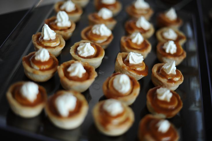 Banana caramel tart with hazelnut foam topping, mmmmmmm  looks yummy