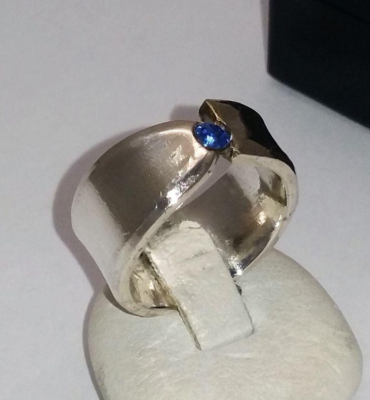 Ringe - 16,7 mm Schlichter Ring mit blauem Stein SR440 - ein Designerstück von Atelier-Regina bei DaWanda
