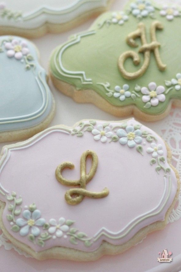 How to make Monogram Decorated Cookies  Sweetopia
