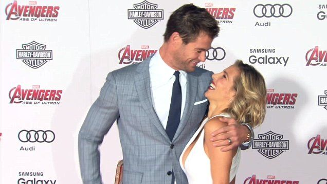 Chris Hemsworth and Elsa Pataky get intimate at Avengers: Age of Ulton premiere.