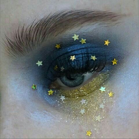 'Starry Night' Festival Make-up. Would go lovely with astrology based body art...