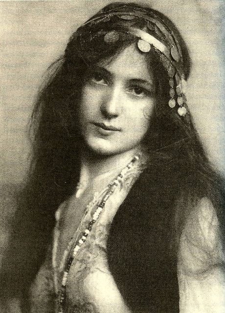 Evelyn Nesbit The 14 year old girl was raped by a 47 year old man and her mentally ill husband later killed rapist in revenge. Look her up.She has a very interesting history.