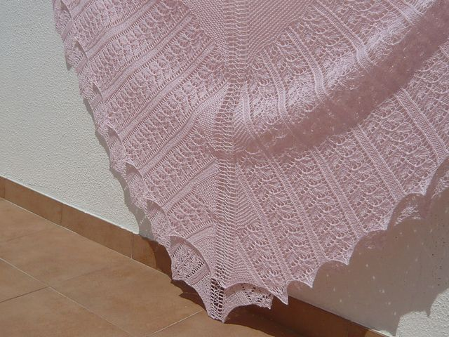 Patons Free Crochet Shawl Patterns : 17 best images about Baby Shawls on Pinterest Crochet ...
