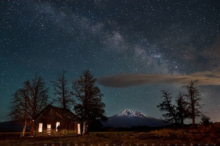 https://www.facebook.com/Universe.and.MilkyWay/photos/a.310340202390869.71727.310323289059227/386397178118504/?type=1