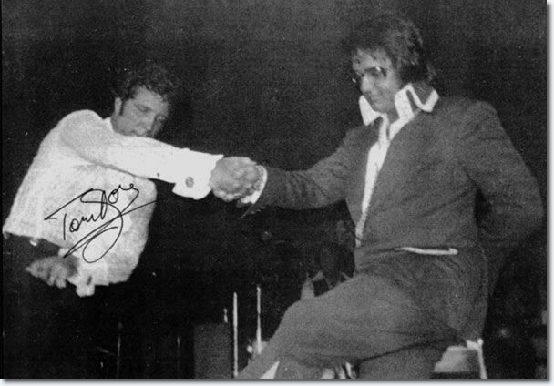 Tom Jones and Elvis Presley shake hands - On stage, September 4, 1973