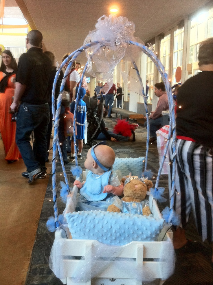DIY Cinderella Carriage | Wagon decorating ideas ...