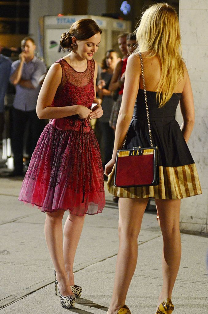 Blair & Serena Style Sighting ... Why don't my BFF & I look like this while wandering the city? Ugh. http://www.fabsugar.com/Gossip-Girl-Season-6-Fashion-24287397?slide=3