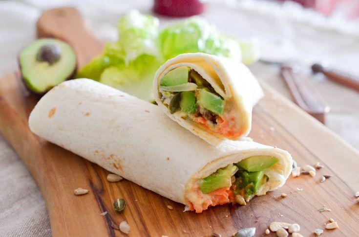 Le wrap est une excellente alternative au sandwich, préparé minute, ici en version végétarienne, un atout santé non négligeable. A déguster au soleil, sur une pelouse, pieds nus dans l'herbe ! INGREDIENTS 4 galettes 300g de houmous 2 avocats 2 carottes 40g de cranberries séchées 40g de graines grillées (tournesol,...   ...déguster la suite