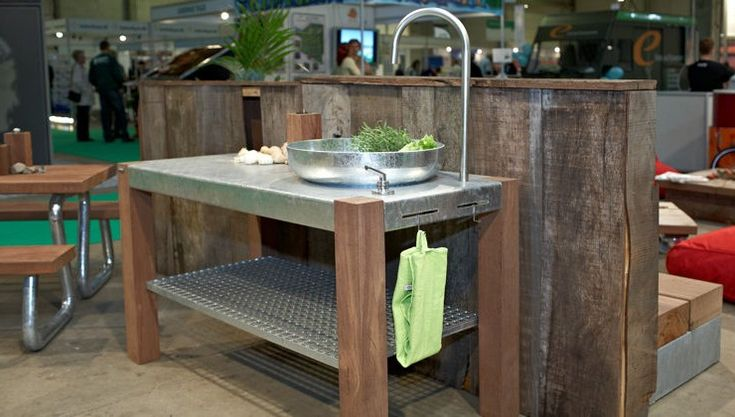 THORS Savra with buiit in sink and cold water  #outdoorkitchen #alfresco #outdoorlivingspaces